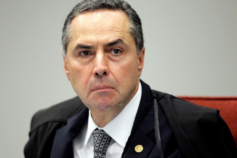 Ministro Barroso critica Escola sem Partido e suposta doutrinação nas escolas