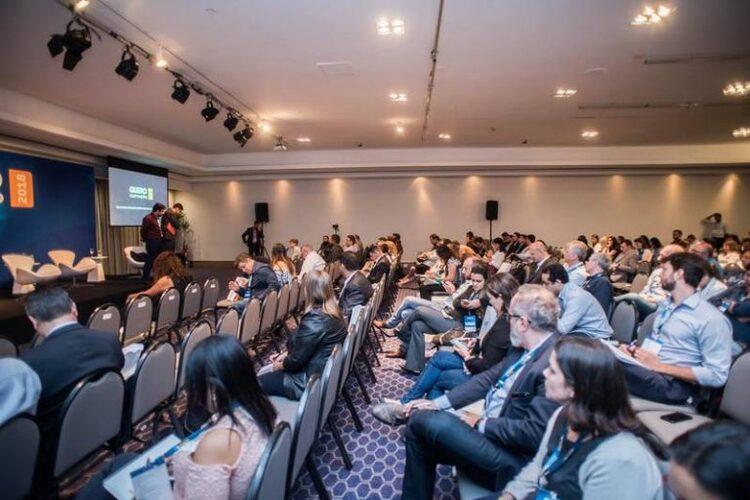 Participantes do Quero Captação 2018 assistindo a uma das palestras