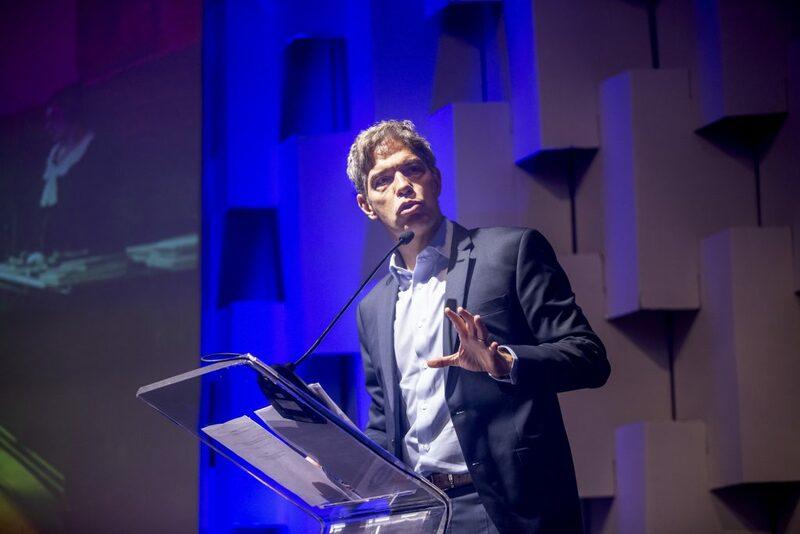 Um dos keynote speakers do evento Quero Captação 2019 em sua palestra